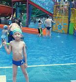 2009年暑假出遊:2009小人國玩水家芃.JPG