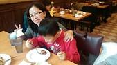 104學年上學期:3~6年級期末聚餐(必勝客)_1346.jpg