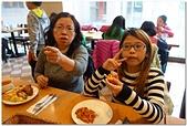 104學年上學期:3~6年級期末聚餐(必勝客)_7508.jpg