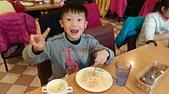 104學年上學期:3~6年級期末聚餐(必勝客)_8419.jpg