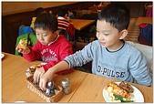 104學年上學期:3~6年級期末聚餐(必勝客)_9690.jpg