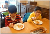 104學年上學期:3~6年級期末聚餐(必勝客)_2178.jpg