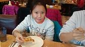 104學年上學期:3~6年級期末聚餐(必勝客)_2431.jpg