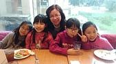 104學年上學期:3~6年級期末聚餐(必勝客)_1479.jpg