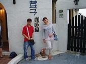 200509大風大雨金山洋荳子咖啡:024門口拍照
