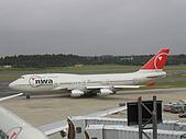 成田機場展望台:西北航空  747-400
