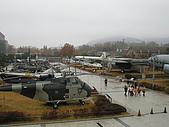 韓國戰爭紀念館:遠眺室外展場