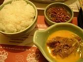 各式鍋物:MoMoParadise-越光米白飯、牛肉沾蛋汁、牛蒡絲小菜