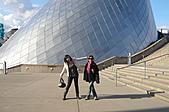 2008-02 Tacoma 玻璃博物館:兩個人加起來還是一樣小