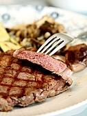 偶爾吃吃西式料理增加生活情趣:20100730濕性牛排大餐
