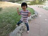 Q寶貝.軒寶貝搞笑篇:1001029Q寶貝再台南公園搞笑照 (4).JPG