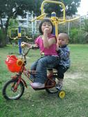 Q寶貝.軒寶貝居家篇:小Q小嫩騎腳踏車 (1).JPG