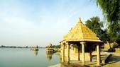 【2016。勇闖印度】金城賈沙米爾堡。粉紅城捷浦爾:金色城市賈沙米爾人工湖 Gadi Sagar