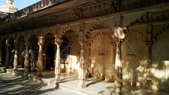 【2016。勇闖印度】白城烏代浦爾。Ranakpur千柱廟,藍城久德浦:烏代浦爾Rajya  Angan
