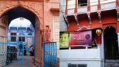 【2016。勇闖印度】白城烏代浦爾。Ranakpur千柱廟,藍城久德浦:久德浦----藍色城市