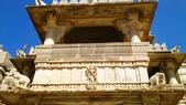 【2016。勇闖印度】白城烏代浦爾。Ranakpur千柱廟,藍城久德浦:Ranakpur千柱廟