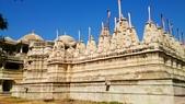 【2016。勇闖印度】白城烏代浦爾。Ranakpur千柱廟,藍城久德浦:Ranakpur千柱廟Jain Temple