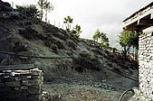 Trekking in Nepal, Dec 2003:Where's the toilet? Everywhere!