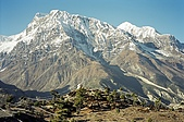 Trekking in Nepal, Dec 2003:Annapurna in front of the monastery