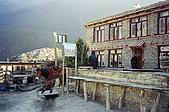 Trekking in Nepal, Dec 2003:Guesthouse near Manang airstrip