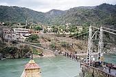 Rishikesh, March 2007:Laxman Jhoola ── 橋流,水不流
