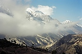Trekking in Nepal, Dec 2003:Wandering clouds