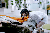 12/12《女人不壞》電影劇照:飾演歐泛泛的周迅事後得意的看著馮德倫.jpg