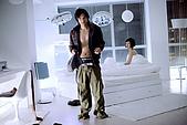 12/12《女人不壞》電影劇照:事後馮德倫起身穿衣.jpg