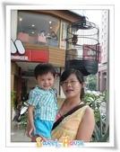 960901 masa LiLi:masa LiLi婚紗店門口的假貓頭鷹