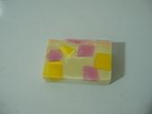 皂:亂氏方塊酥
