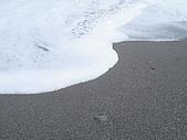 海山一體的太麻里:細白的浪和沙