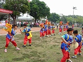 在學校和各地廟宇慶典表演跳鼓陣:cm8k-1207401550-41097-414.jpg