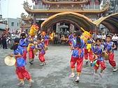 在學校和各地廟宇慶典表演跳鼓陣:cm8k-1208759514-2474-188.jpg