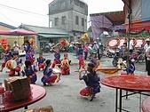 在學校和各地廟宇慶典表演跳鼓陣:cm8k-1210216918-18801-760.jpg