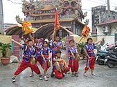 在學校和各地廟宇慶典表演跳鼓陣:cm8k-1210216921-51673-334.jpg