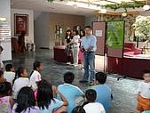 在校園裡自己與朋友老師們的照片:cm8k-1169018857-26956-228.jpg