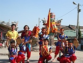 在學校和各地廟宇慶典表演跳鼓陣:classfront_9.jpg