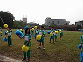 在校園裡自己與朋友老師們的照片:cm8k-1170600097-51640-323.jpg