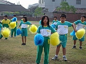 在校園裡自己與朋友老師們的照片:cm8k-1170600190-26419-127.jpg