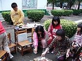在校園裡自己與朋友老師們的照片:cm8k-1175580140-5194-987.jpg