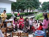 在校園裡自己與朋友老師們的照片:cm8k-1175580179-29013-231.jpg