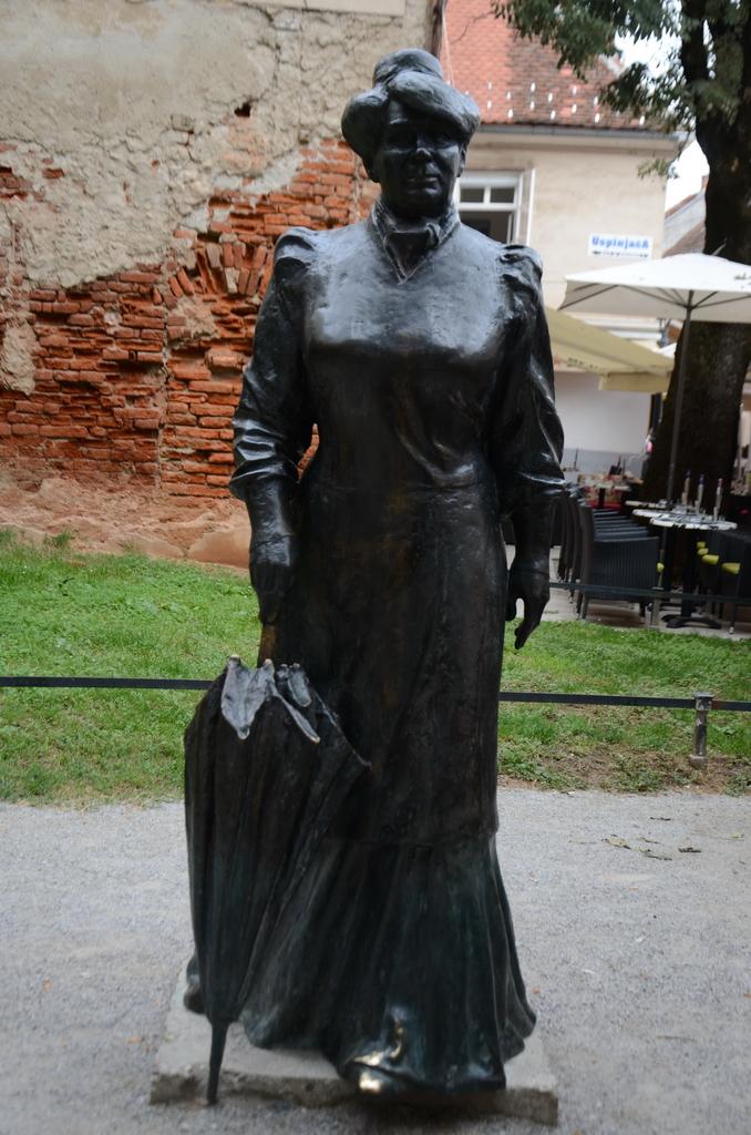 未分類相簿:20140822克羅埃西亞文學家為女人發聲 (2)_調整大小.JPG