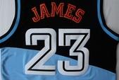 NBA球衣 騎士隊:騎士隊23號james 復古 黑藍2.jpg