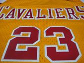 NBA球衣 騎士隊:騎士隊23號james 復古 黃色2.jpg
