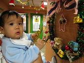 嬰兒部:後台花絮~糟糕!搞破壞被發現..jpg