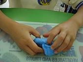 黏土遊戲:翻開黏土拿出小球