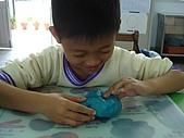 黏土遊戲:黏土很硬,不容易翻開