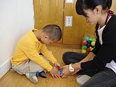 黏土遊戲:治療師敎鎮宇壓黏土